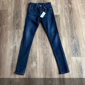 NWT AG Adriano Goldschmied Skinny Jeans